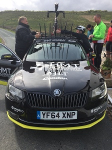 The car of broken dreams, myself and other riders load our bikes on to the car and get taken back to Grassington